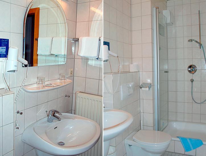 Dusche / WC [Shower / toilet]